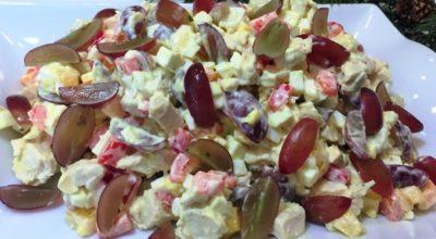 Едва выпросила рецепт у подруги. Этот салат производит фурор на праздничном столе!